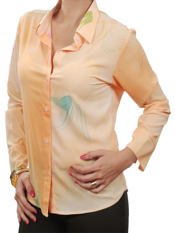 02b4618bfe Camisa feminina em salmão estampado de crepe de seda